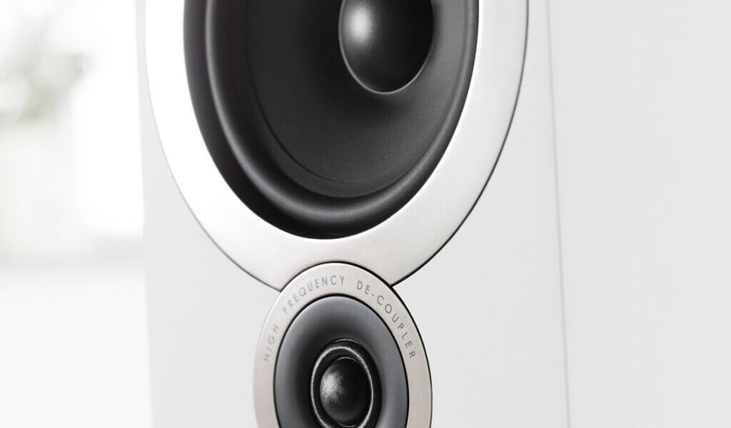 Q Acoustics i White Grille Off Detail