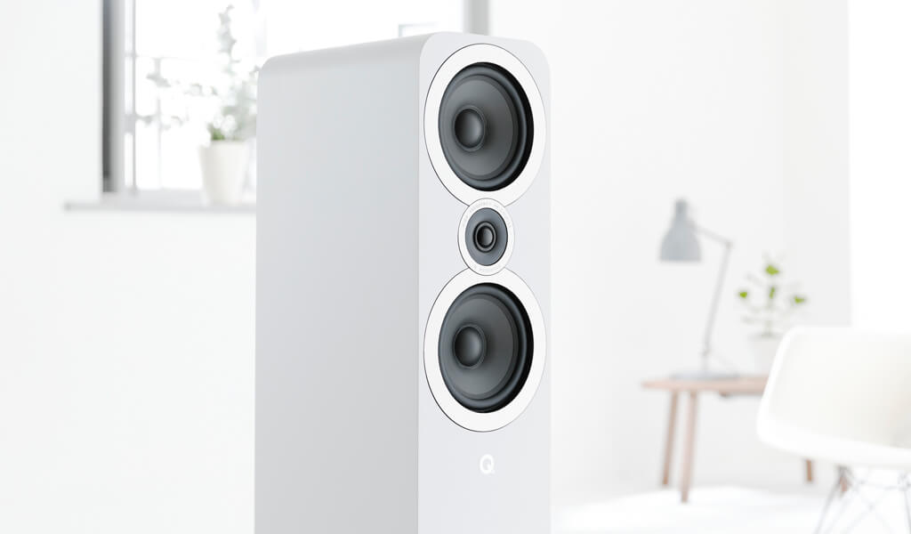 Q Acoustics i White Grille Off Product